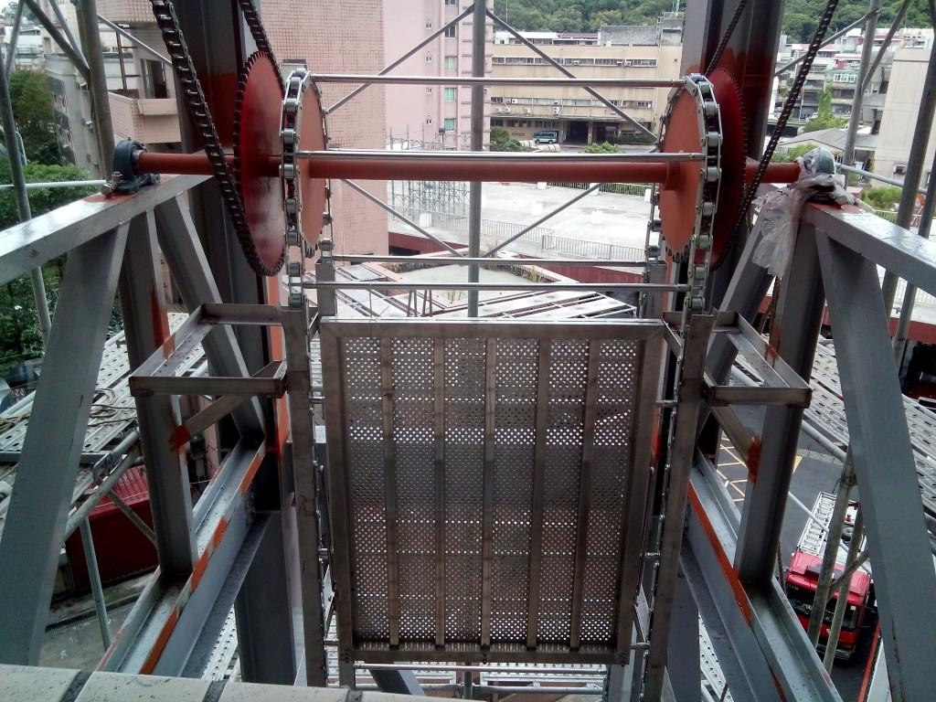 11.完成自走梯上活動式安全踏板裝置